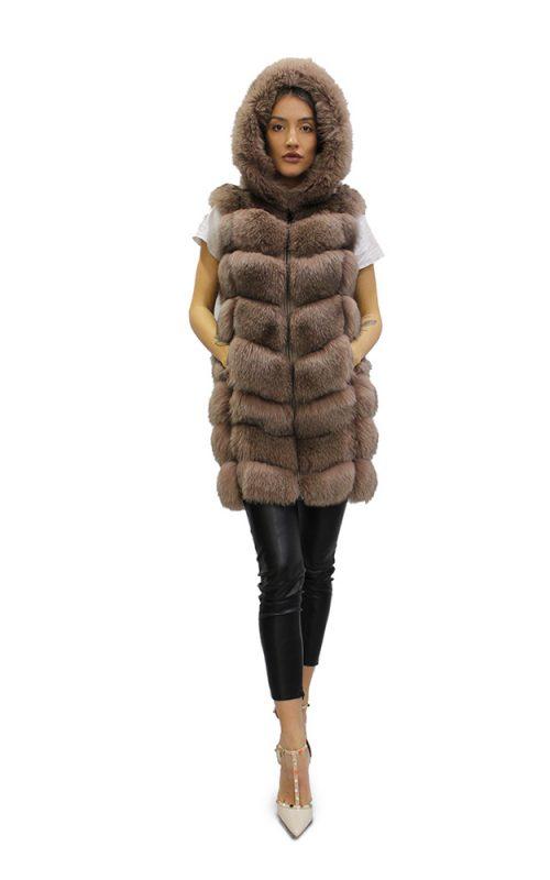 Дълъг дамски елек с качулка в кафяв цвят от естествен косъм от лисица