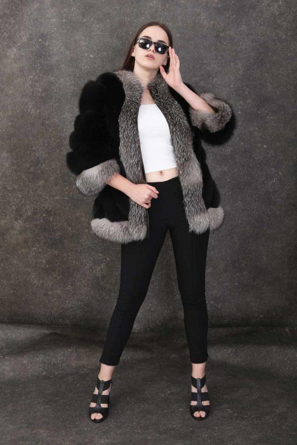 Дамско палто с 3/4 ръкави от естествен косъм от лисица и части от сребърна лисица