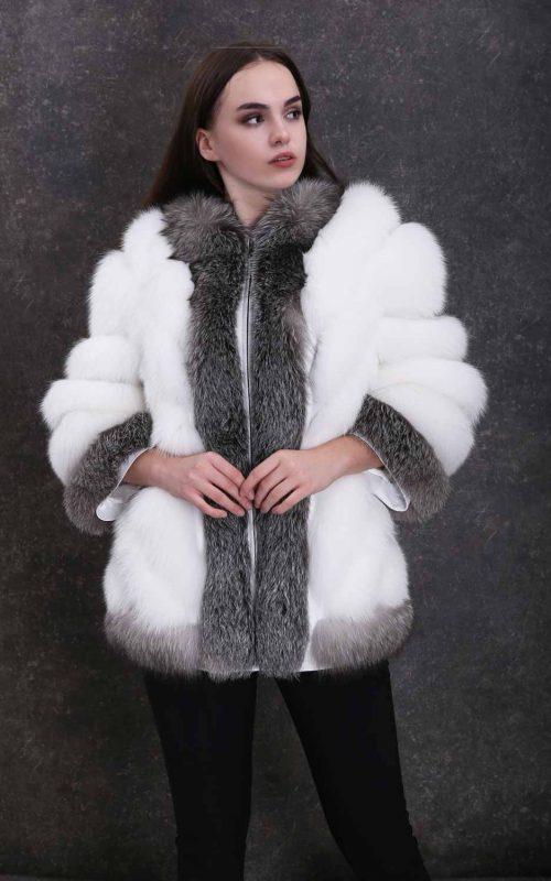 Класическо дамско палто от естествен косъм от бяла и сребърна лисица с ¾ ръкави