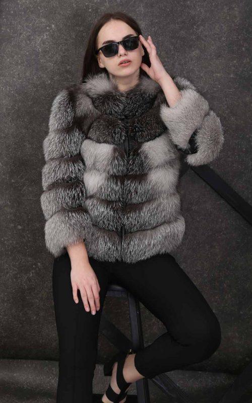 Класическо кожено палто с ¾ ръкави на хоризонтални шевове